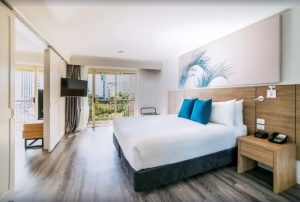 Standard Room, 1 King Bed/ 2 Double Beds